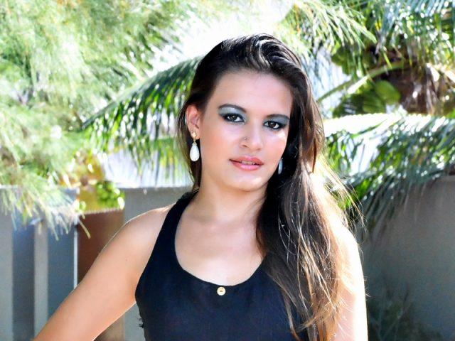Karol Souza-8